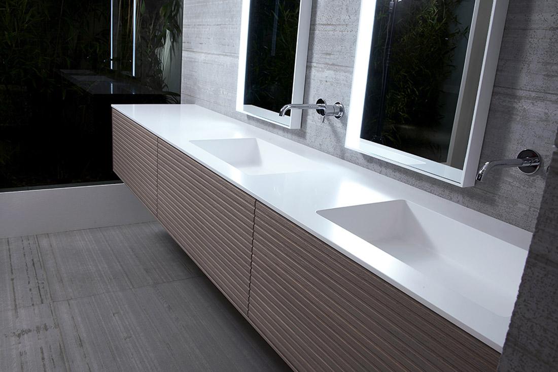 Piano Lavabo In Corian piano lavabo: ecco i vantaggi dei materiali alternativi alla